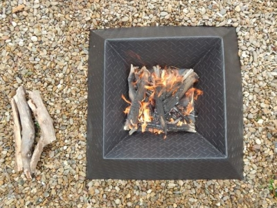 How to make a compact fire pit from a single steel sheet
